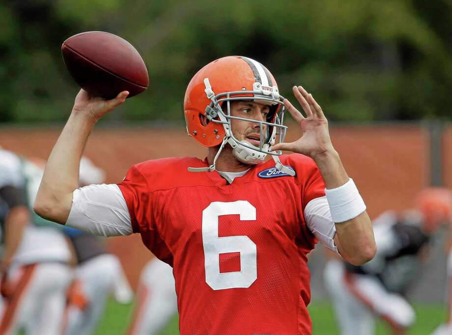 Quarterback Brian Hoyer will get the start this week for the Browns in place of the injured Brandon Weeden. Photo: Mark Duncan — The Associated Press  / AP