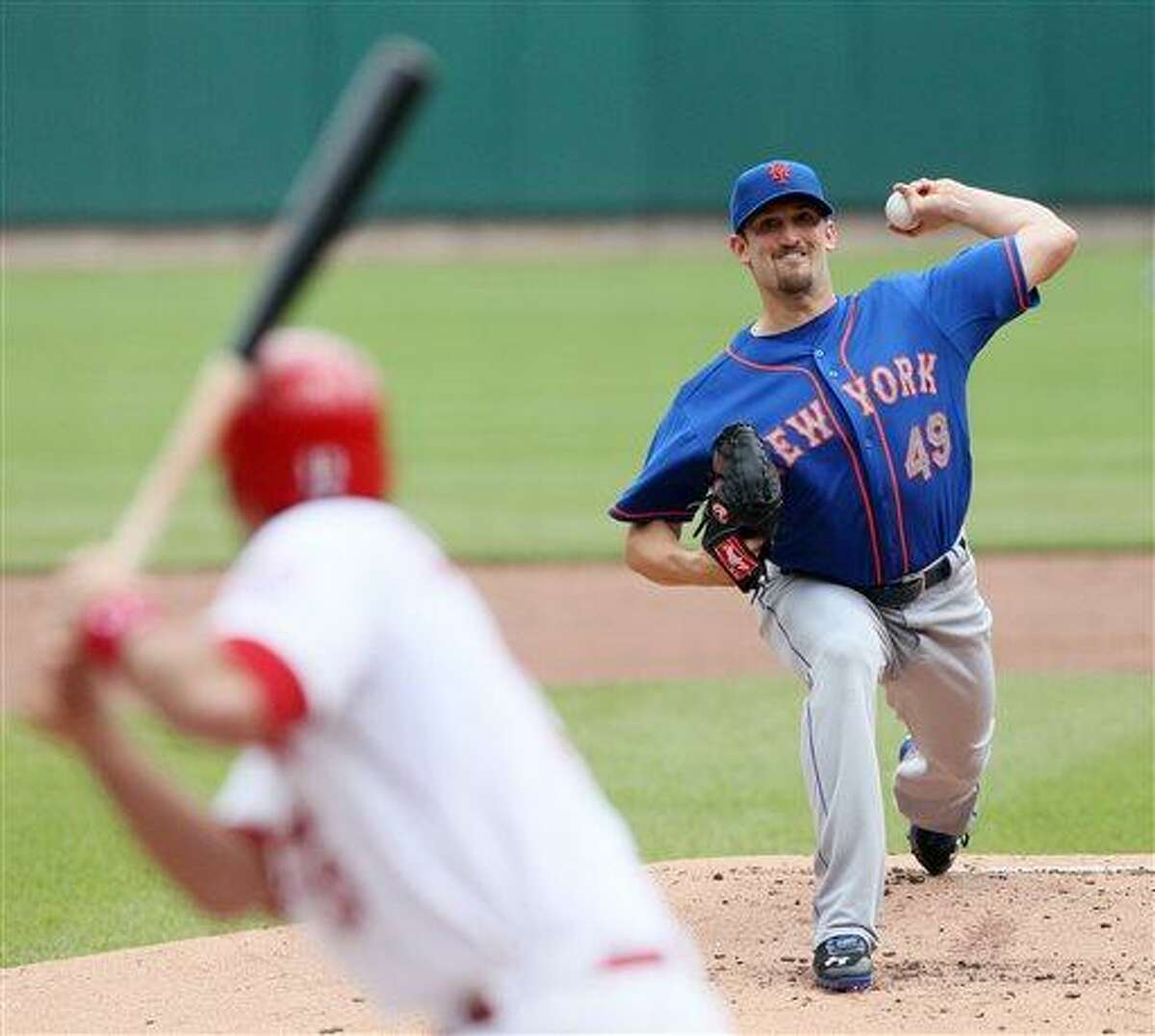 New York Mets starting pitcher Jonathon Niese throws against the St. Louis Cardinals during a basesball game Thursday, May 16, 2013, in St. Louis. (AP Photo/St. Louis Post-Dispatch, Chris Lee) EDWARDSVILLE INTELLIGENCER OUT; THE ALTON TELEGRAPH OUT