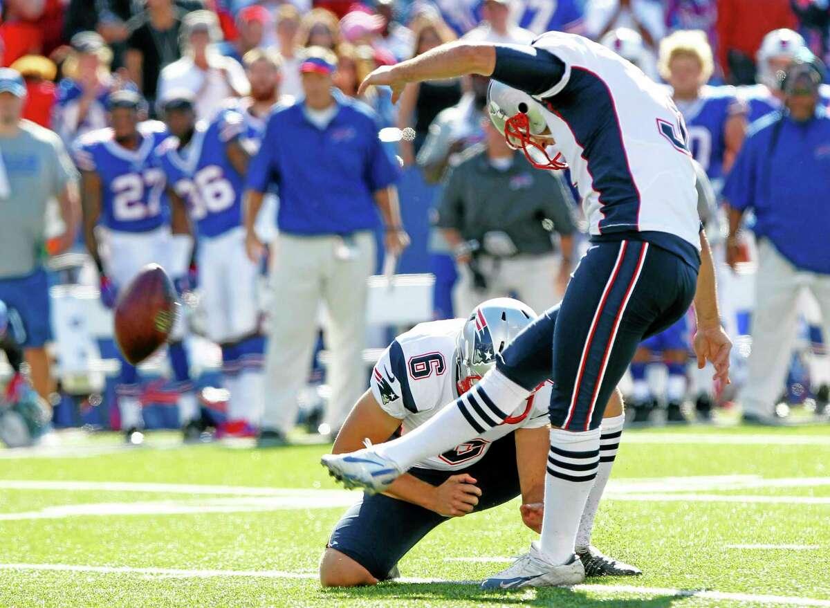 Patriots kicker Stephen Gostkowski connects on the game-winning field goal against the Bills on Sunday.