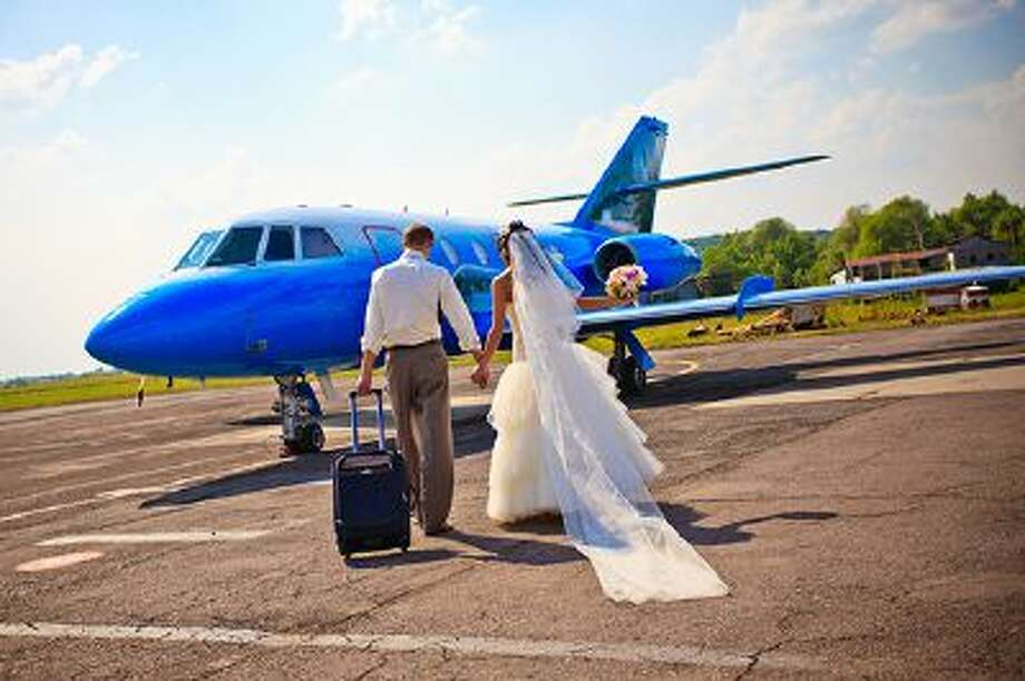The sky is often the site of romantic encounters, and a major US carrier is launching a Valentine's Day competition offering plane tickets for in-flight love stories.