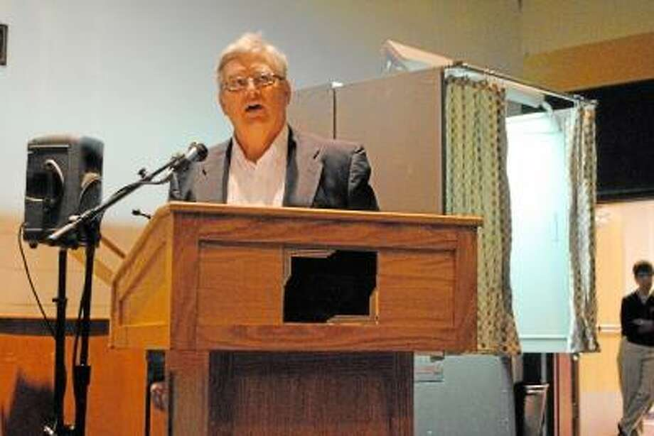 Alan Dicara argued that voters should reject the proposed $33.6 million 2013-2014 Winchester Town budget.