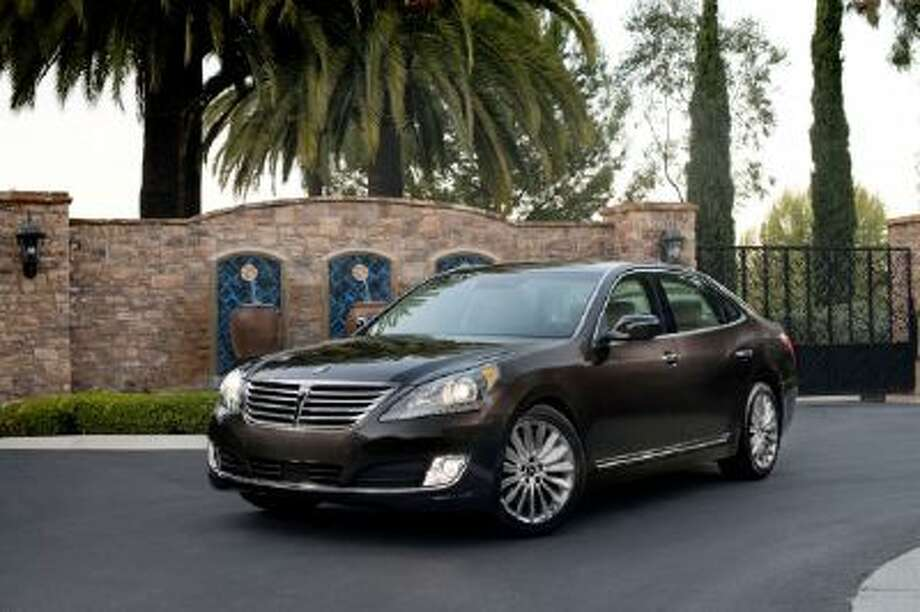 the 2014 Hyundai Equus