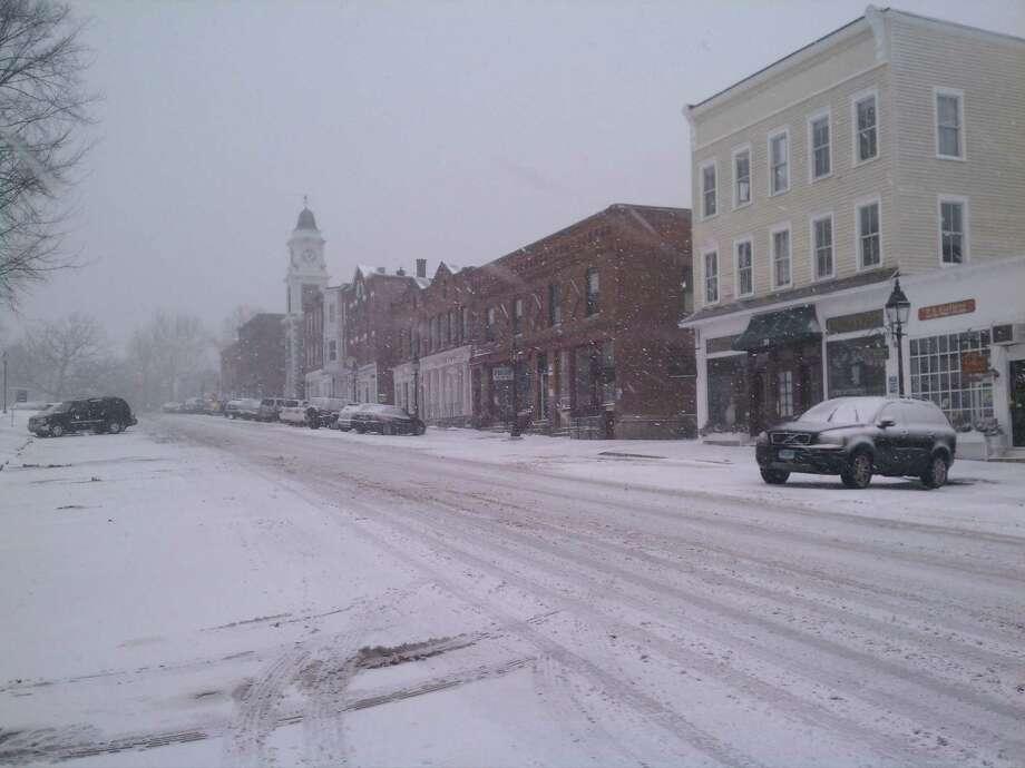 Snow in Litchfield during Feb. 2013 blizzard. Doug Clement/Register Citizen.