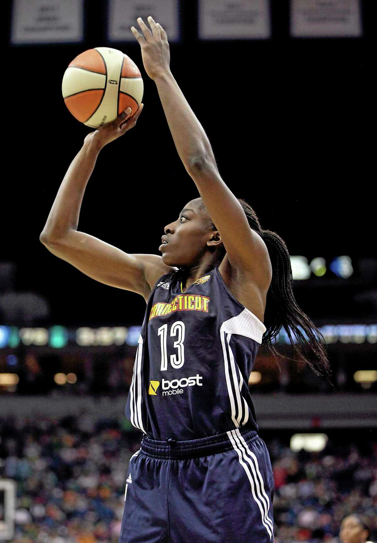 Forward Chiney Ogwumike and the Connecticut Sun lost to the Sky 78-68 on Wednesday afternoon in Chicago.
