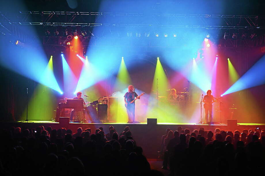 Submitted photo courtesy of The Machine The Machine, a Pink Floyd tribute band, is making its Infinity Music Hall debut on May 31. Photo: Journal Register Co.