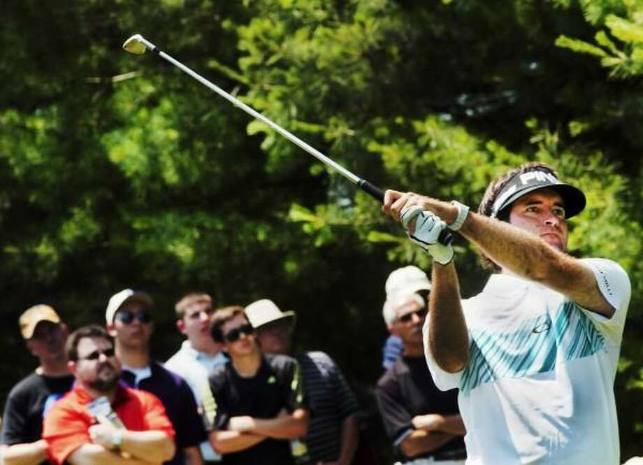 Bubba Watson tees off on the 9th hole during the second round of the Travelers Championship. Photo by Melanie Stengel/New Haven Register
