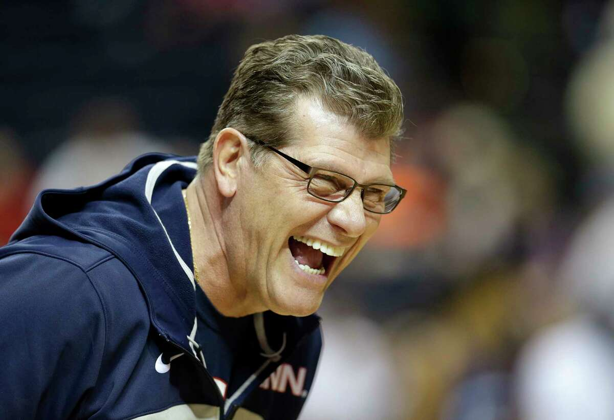 """In addressing the infamous phone call to Mo'ne Davis, Register columnist Chip Malafronte says UConn Geno Auriemma came across as the """"lone rational figure in a galactically ludicrous situation."""""""