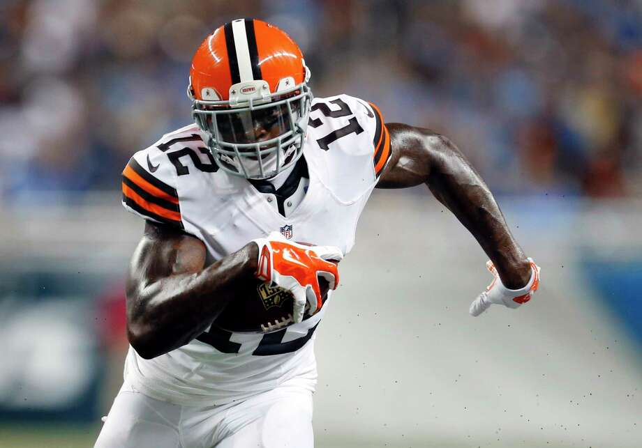 Cleveland Browns wide receiver Josh Gordon will reportedly work at a car dealership during his year-long suspension from the NFL. Photo: Rick Osentoski — The Associated Press  / FR170444 AP