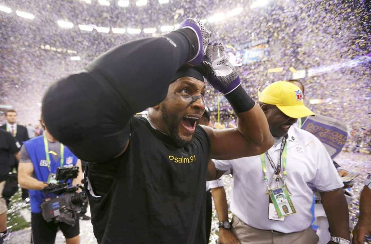 Baltimore Ravens inside linebacker Ray Lewis celebrates after the Ravens defeated the San Francisco 49ers to win the NFL Super Bowl XLVII football game in New Orleans, Louisiana, February 3, 2013. REUTERS/Jeff Haynes (UNITED STATES - Tags: SPORT FOOTBALL)
