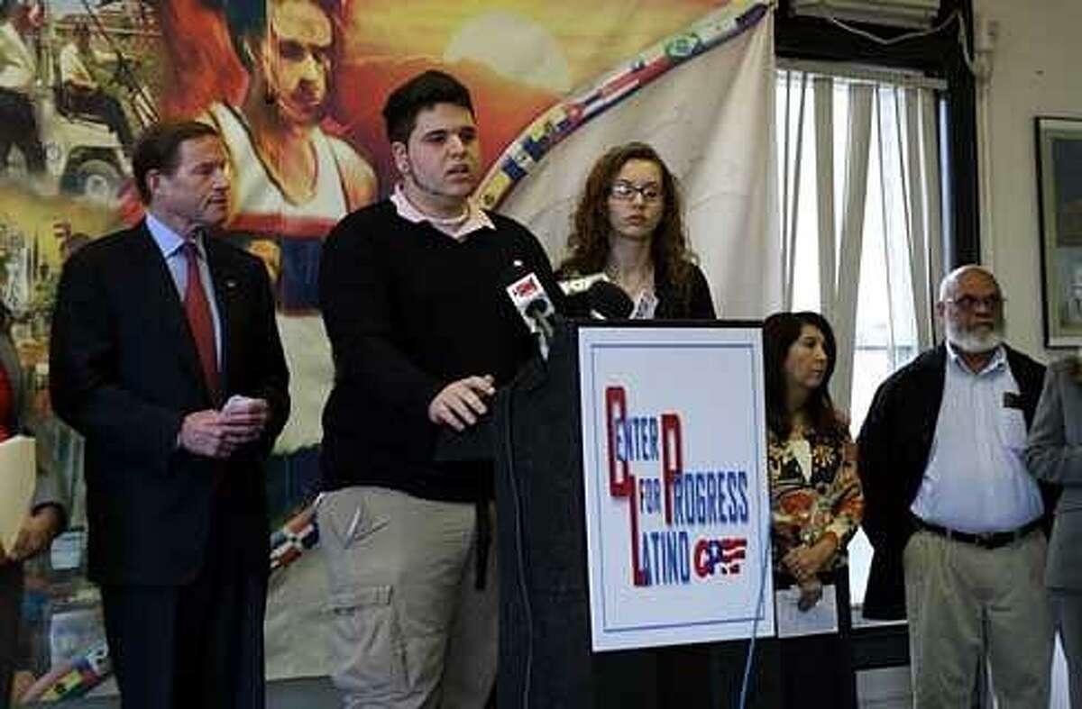 Matias and Sabrina Garcia with U.S. Sen. Richard Blumenthal. Christine Stuart/CTNewsJunkie