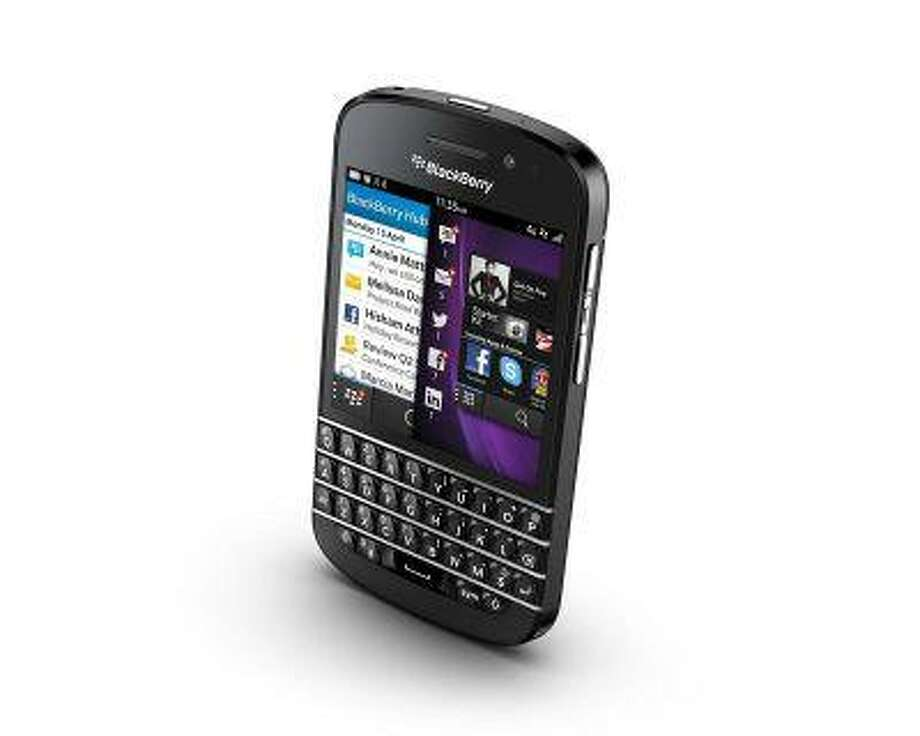The BlackBerry Q10 is seen in this undated handout image. REUTERS/BlackBerry Photo: Reuters/Blackberry/Handout / X80001