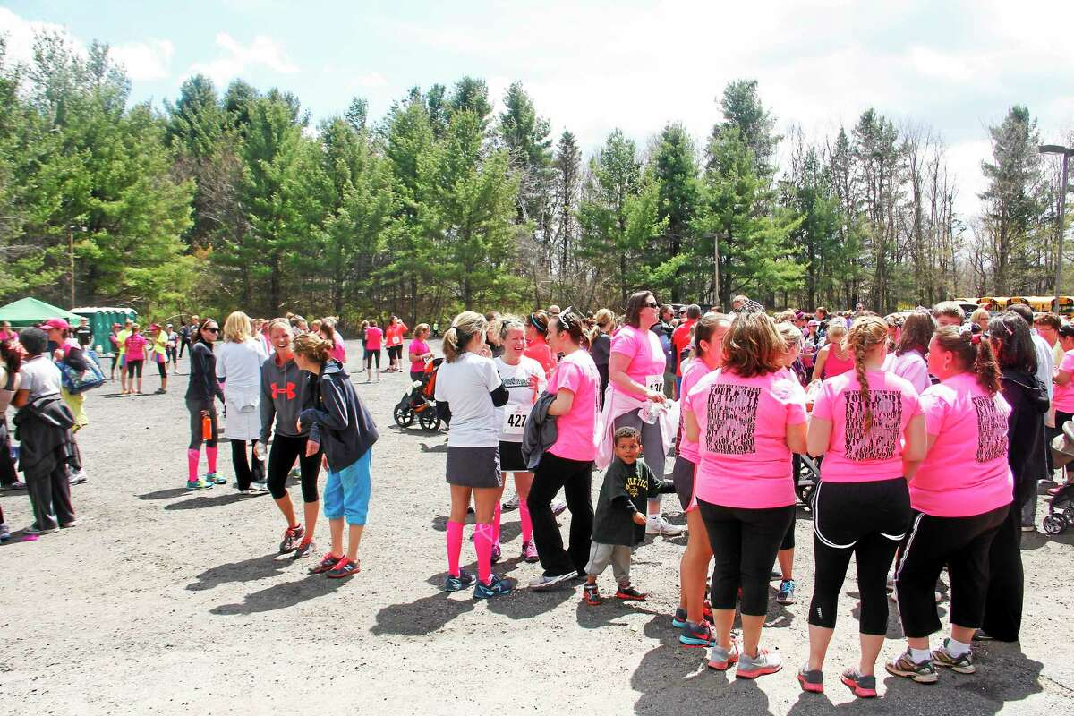 More than 400 female runners participated in the 5th annual Girls Just Wanna Run 5K and fundraiser, helping raise more than $8,000 for the Junior Women's Club.