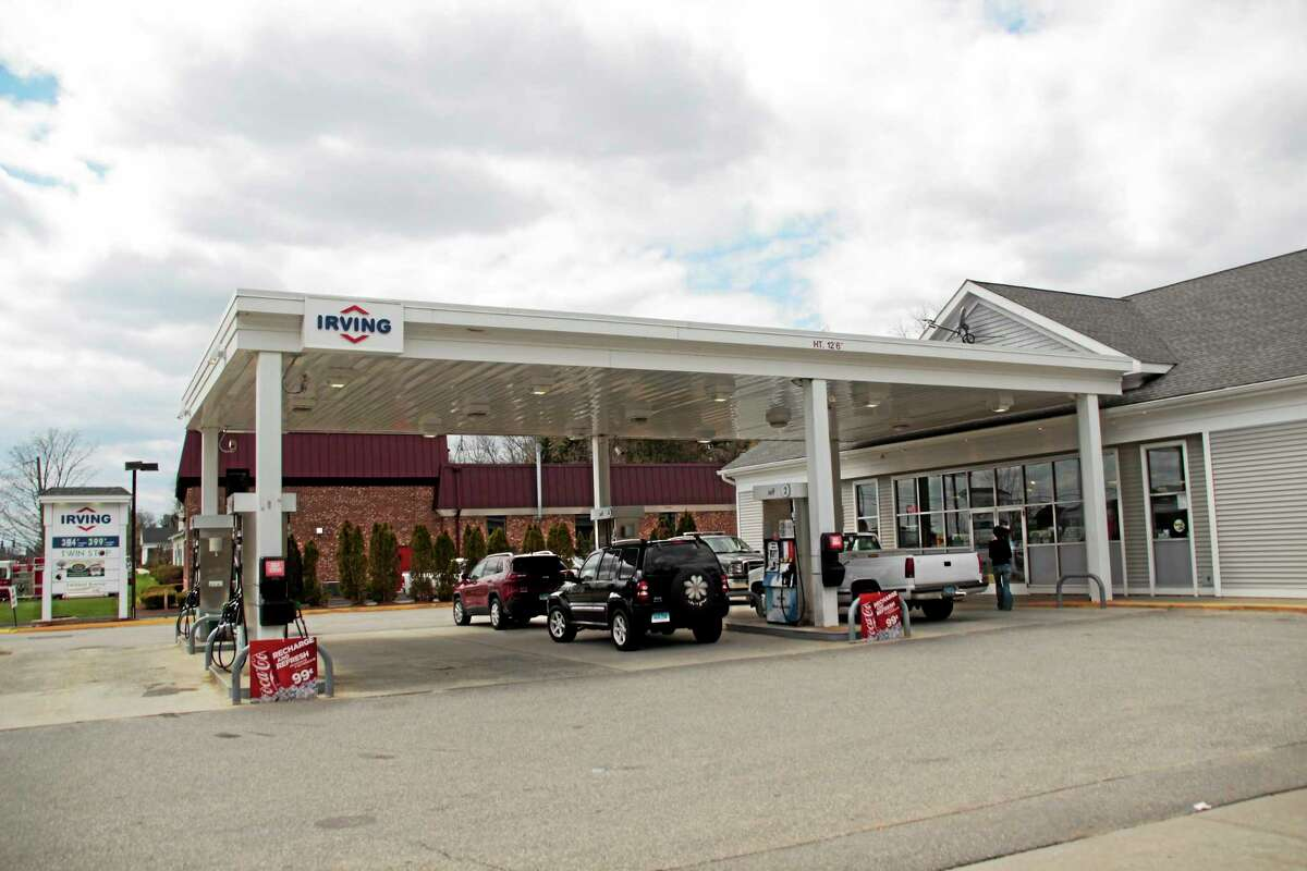Irving gas station is the one spot to fill up on the northbound side of Litchfield.