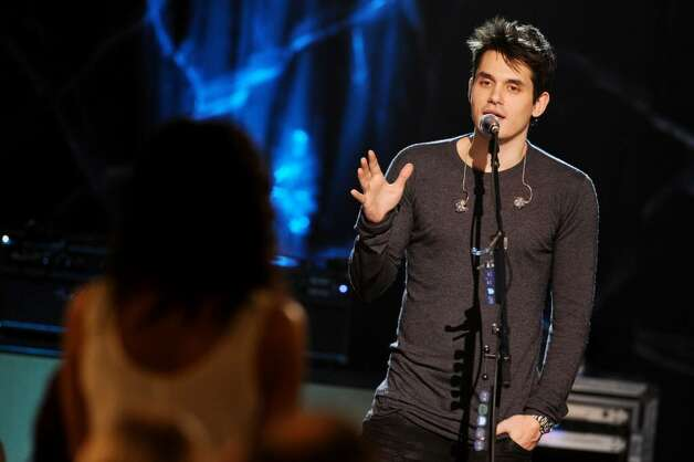 NEW YORK - DECEMBER 10: Musician John Mayer (L) performs during Vh1 Storytellers at Steiner Studios on December 10, 2009 in New York City. (Photo by Theo Wargo/Getty Images For Vh1) *** Local Caption *** John Mayer Photo: Theo Wargo, Getty Images For Vh1 / 2009 Getty Images