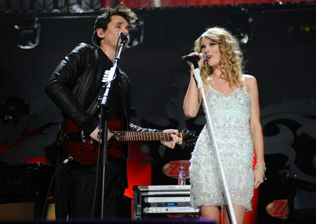 NEW YORK - DECEMBER 11:  John Mayer and Taylor Swift perform onstage during Z100's Jingle Ball 2009 at Madison Square Garden on December 11, 2009 in New York City.  (Photo by Bryan Bedder/Getty Images) *** Local Caption *** John Mayer;Taylor Swift Photo: Bryan Bedder, Getty Images / 2009 Getty Images