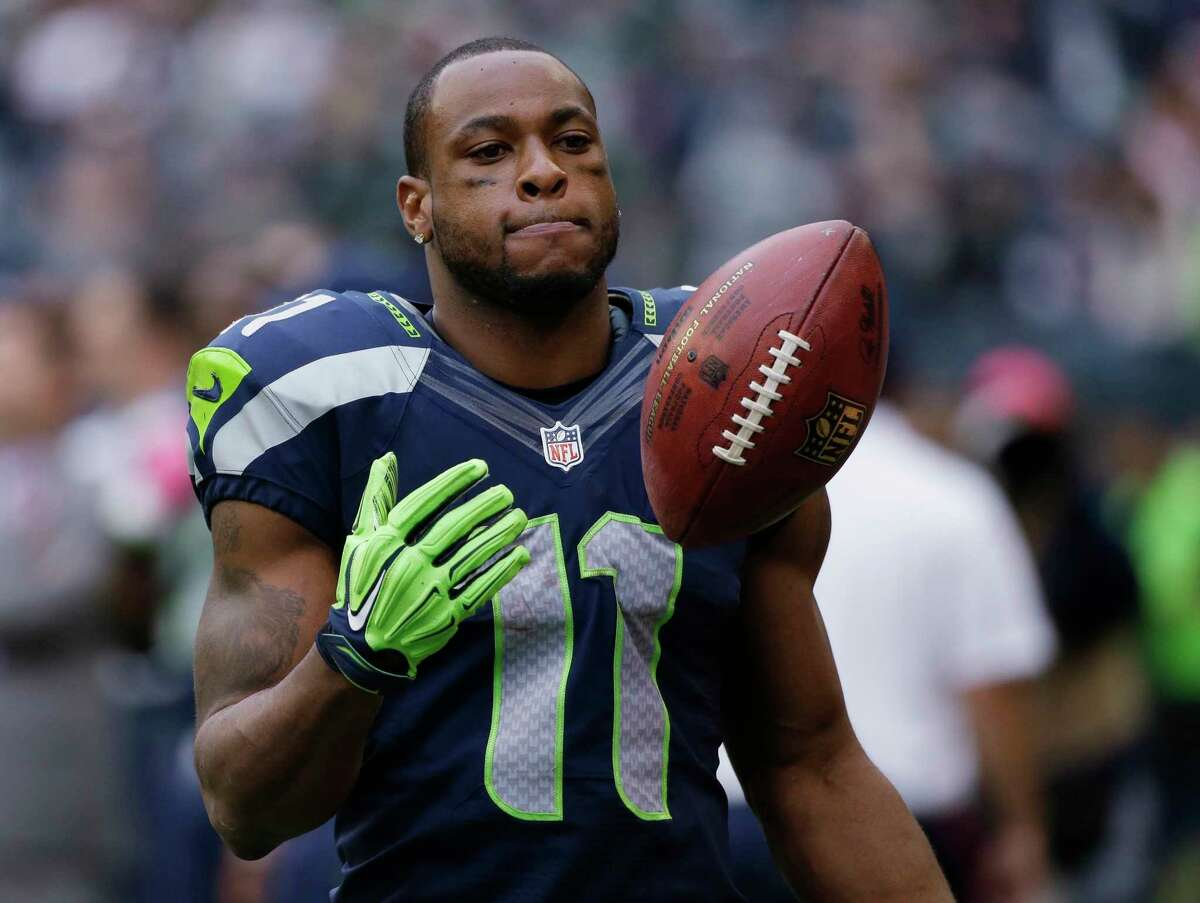 The New York Jets acquired receiver Percy Harvin from the Seattle Seahawks on Friday.