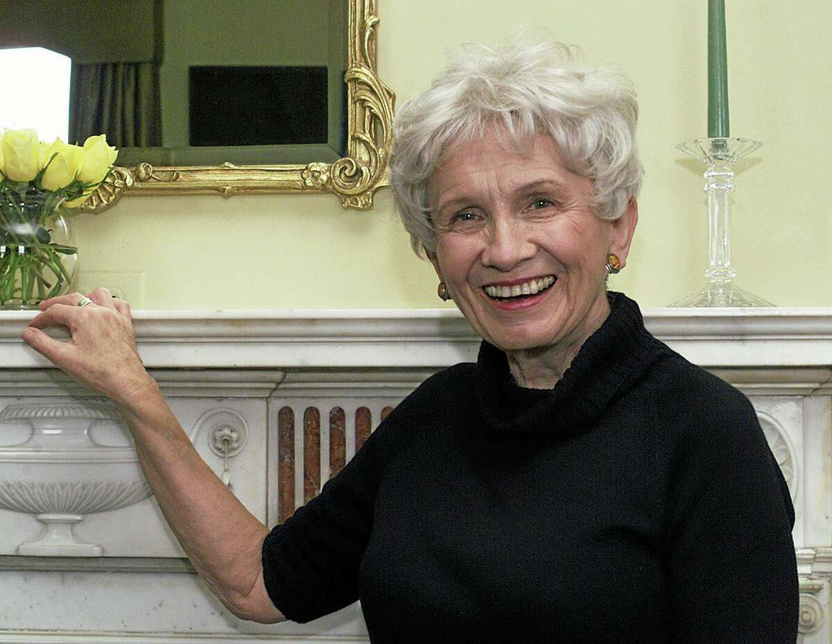 FILE - Canadian author Alice Munro poses for a photograph at the Canadian Consulate's residence in New York in this Oct. 28, 2002 file photo. Munro was Thursday Oct 10 2013 been named as 2013 Nobel laureate for literature in an an announcement made in Stockholm, Sweden. (AP Photo/Paul Hawthorne, File)