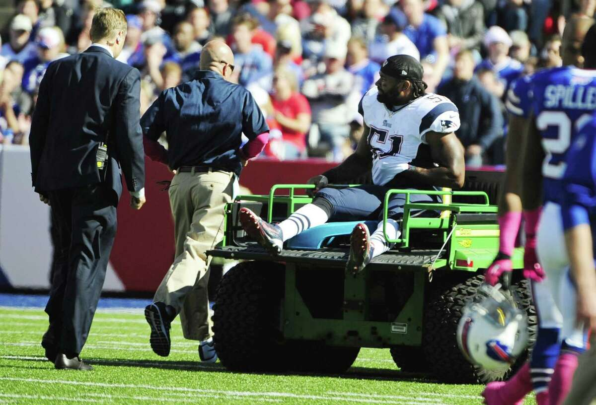 The New England Patriots placed middle linebacker Jerod Mayo on IR on Thursday.