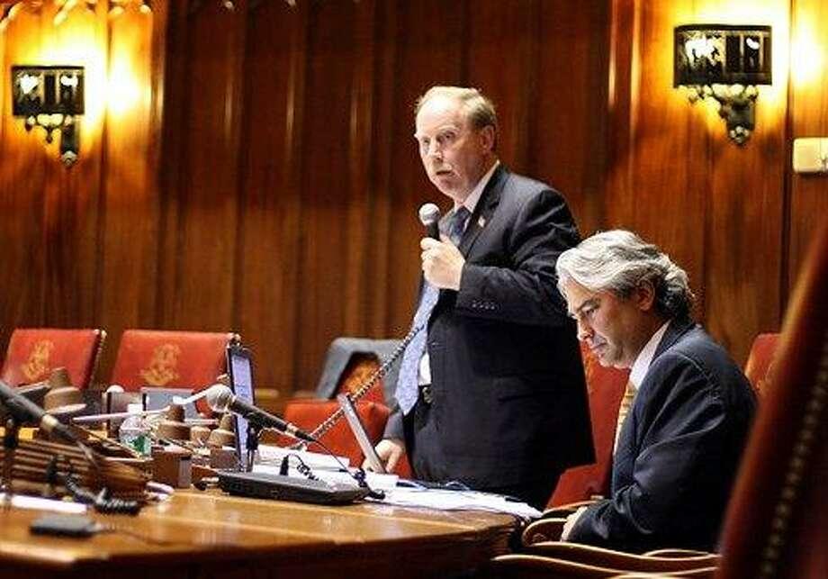Sen. Michael McLachlan speaks as Sen. Anthony Musto listens. Christine Stuart/CT NewJunkie