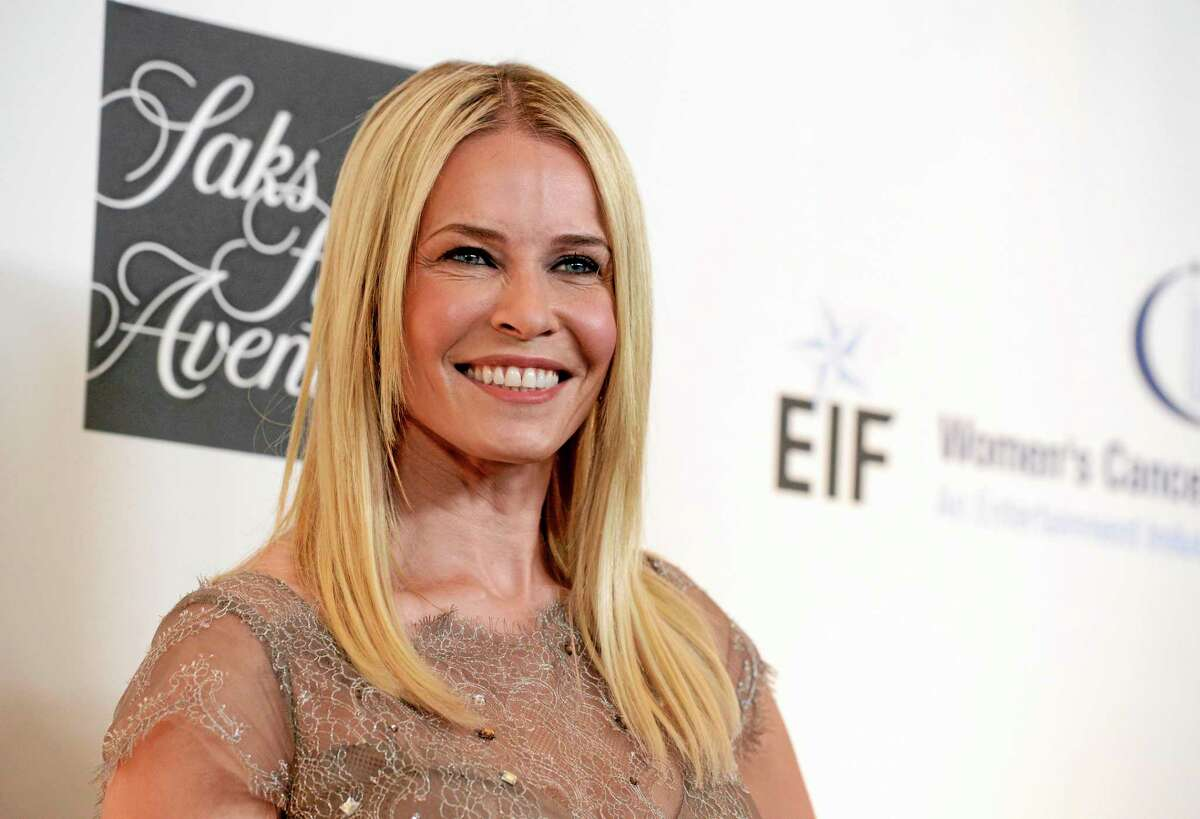 """In this May 2, 2013 file photo, Chelsea Handler arrives at """"An Unforgettable Evening"""" benefiting EIF's Women's Cancer Research Fund at The Beverly Wilshire in Beverly Hills, Calif. Netflix said Thursday, June 19, 2014, that Chelsea Handler's new talk show will begin in early 2016. Handler will end the seven-year run of ìChelsea Latelyî on Aug. 26."""