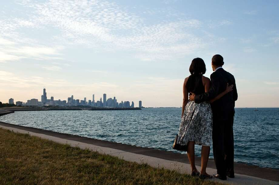 President Barack Obama and his wife, Michelle Obama, look at their hometown city of Chicago from afar. (Pete Souza/Official White House Photo)