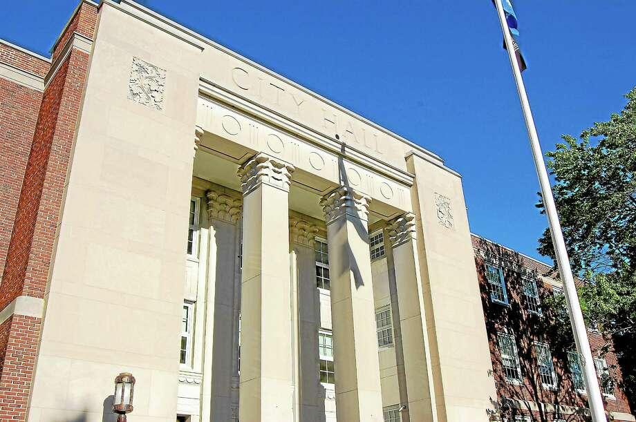 Tom Caprood/Register Citizen ¬ Torrington City Hall Photo: Journal Register Co.