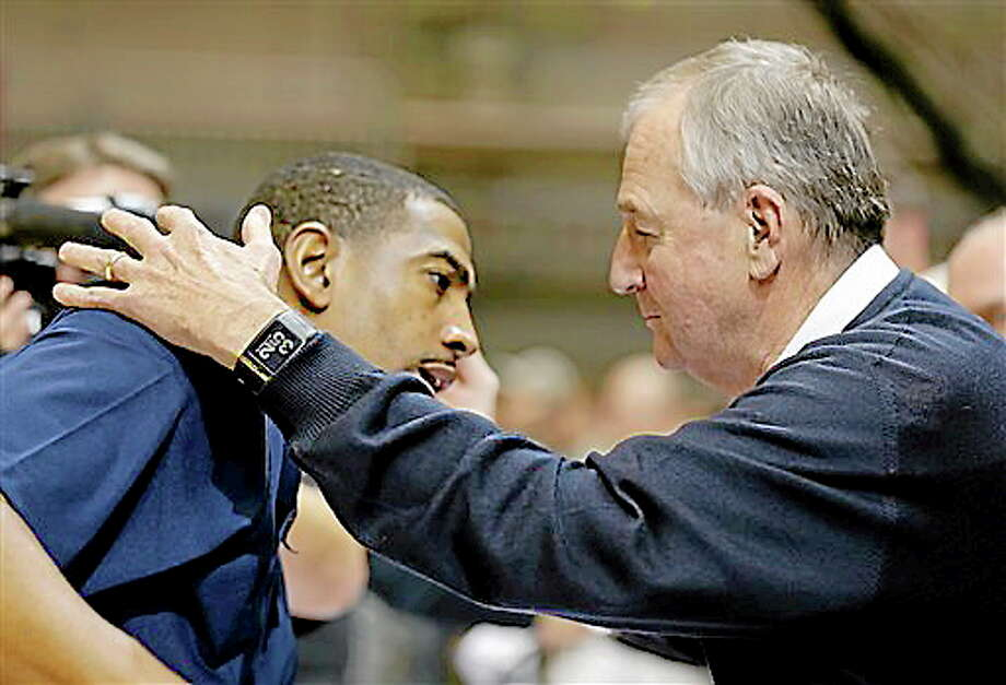 Kevin Ollie and Jim Calhoun will tee it up at the Travelers Celebrity Pro-Am on Wednesday at the TPC River Highlands in Cromwell. Photo: Michael Probst — The Associated Press  / AP