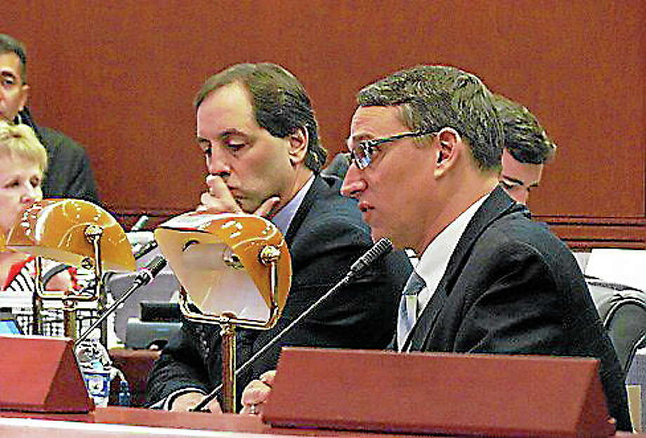 OPM Secretary Ben Barnes with Alan Calandro, head of the Office of Fiscal Analysis. Christine Stuart/CT NewsJunkie Photo: Journal Register Co.