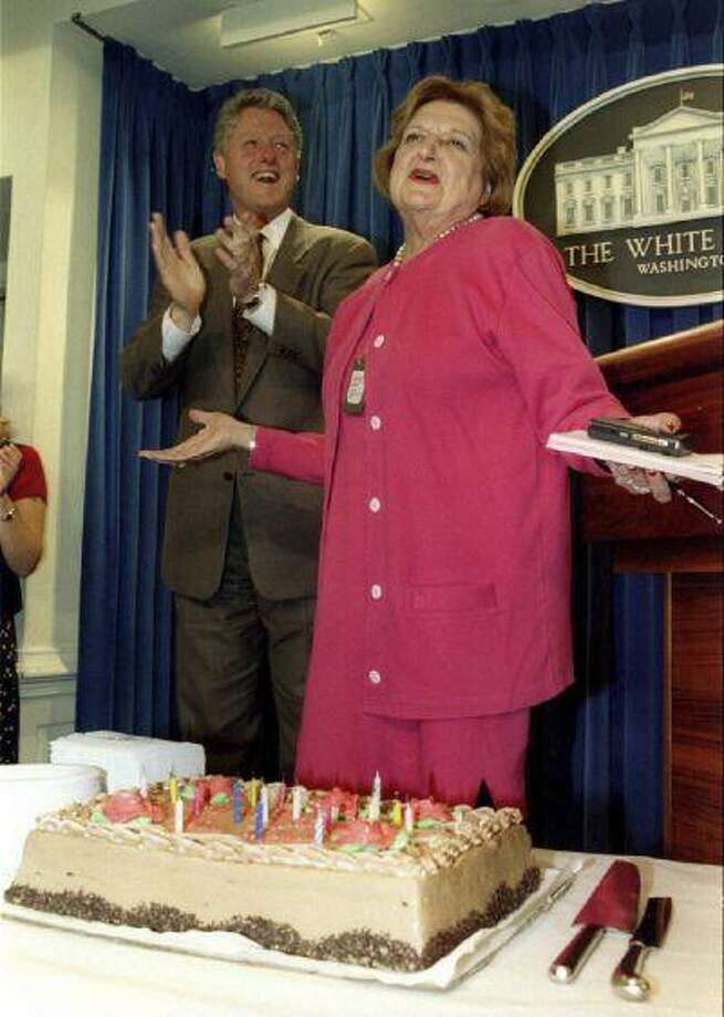 U.S. President Bill Clinton applauds during a celebration of Helen Thomas' 75th birthday in the White House press room in Washington in this August 4, 1995 file photo. Photo: REUTERS / X00031