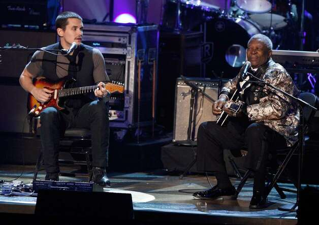 LOS ANGELES, CA - DECEMBER 03:  Musicians John Mayer (L) and B.B. King perform onstage during the Grammy Nominations concert live held at the Nokia Theatre LA Live on December 3, 2008 in Los Angeles, California.  (Photo by Kevin Winter/Getty Images) *** Local Caption *** John Mayer;B.B. King Photo: Kevin Winter, Getty Images / 2008 Getty Images