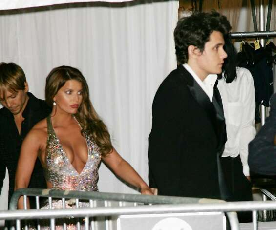 NEW YORK - MAY 7:  Singers John Mayer and Jessica Simpson leave The Metropolitan Museum of Art's Costume Institute Gala May 7, 2007 in New York City.  (Photo by Evan Agostini/Getty Images) *** Local Caption *** John Mayer;Jessica Simpson Photo: Evan Agostini, Getty Images / 2007 Getty Images