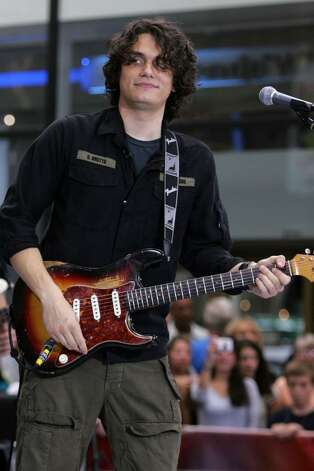 NEW YORK - AUGUST 25:  Musician John Mayer performs on NBC's Today Show at Rockefeller Plaza August 25, 2006 in New York City  (Photo by Bryan Bedder/Getty Images) Photo: Bryan Bedder, Getty Images / 2006 Getty Images