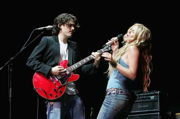 "NEW YORK - SEPTEMBER 20:  Singers John Mayer and Joss Stone perform on stage at the ""From the Big Apple to the Big Easy"" New York City's Benefit Concert for the Gulf Coast at Radio City Music Hall September 20, 2005 in New York City.  (Photo by Scott Gries/Getty Images) Photo: Scott Gries, Getty Images / 2005 Getty Images"