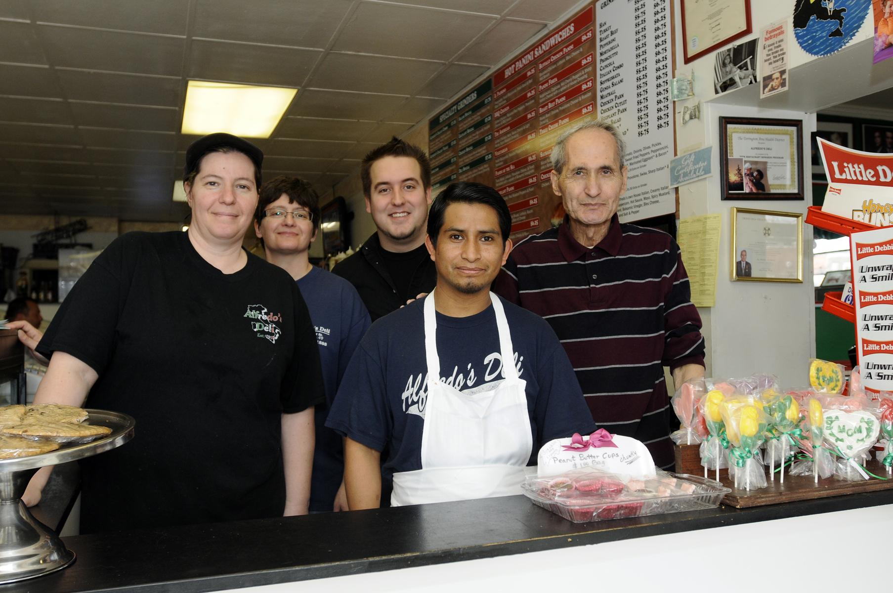 Torrington restaurant Alfredo's celebrates 15th anniversary - The