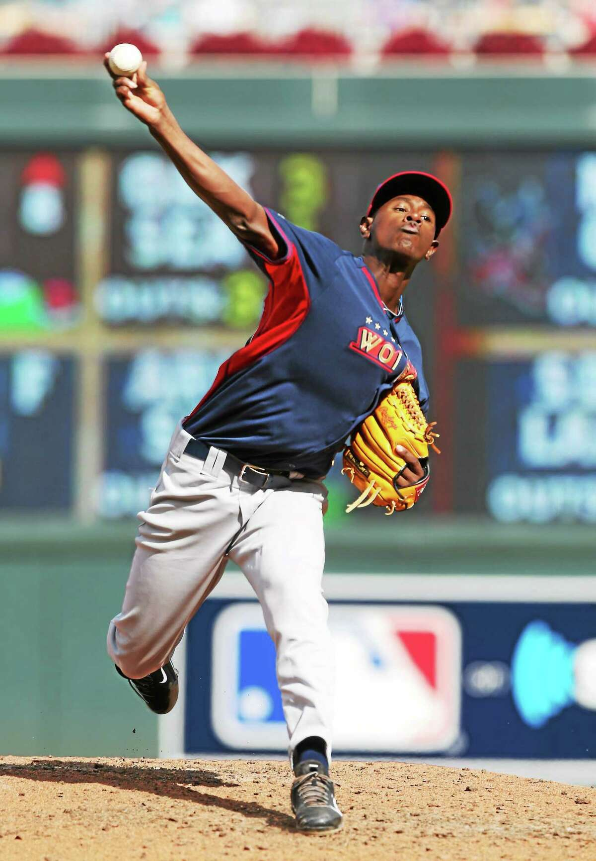 Yankees minor leaguer Luis Severino throws a pitch during the All-Star Futures Game last Sunday in Minneapolis.