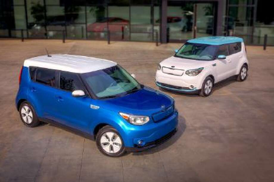 All-new Kia Soul EV, unveiled at Chicago Motor Show, offers a range of up to 100 miles (160 km).