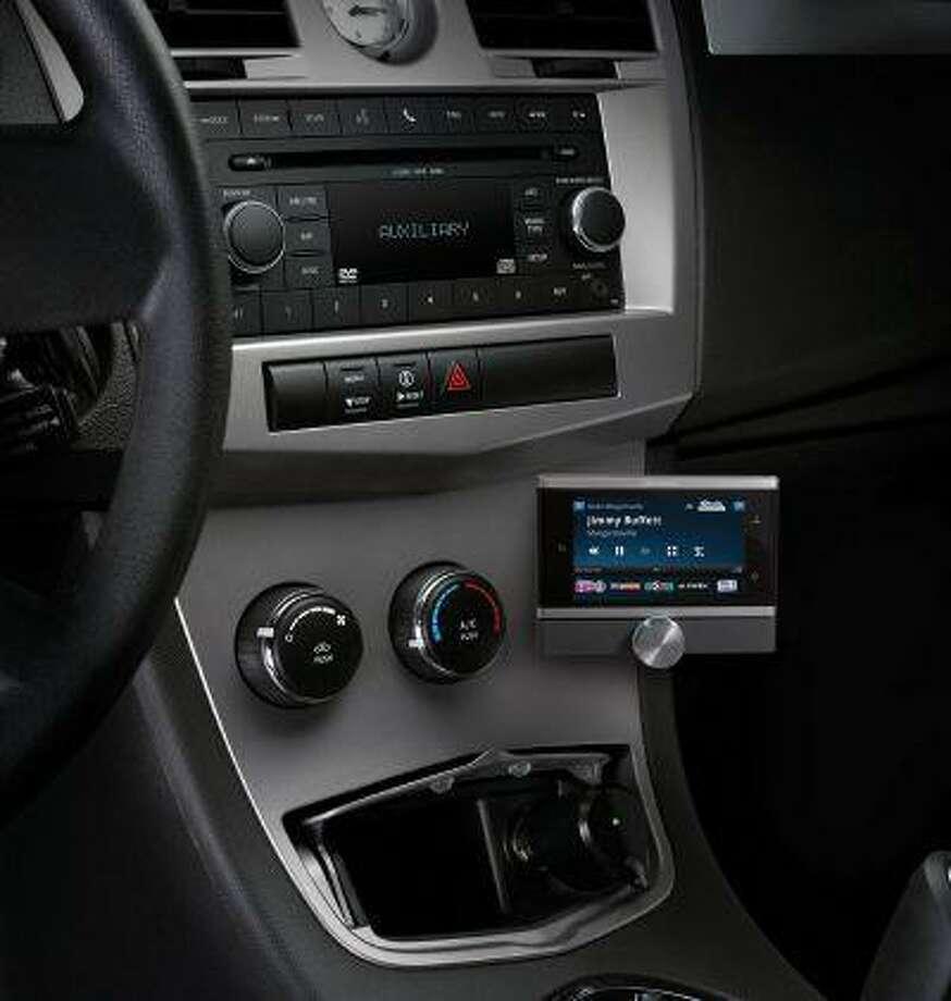SiriusXM Lynx Portable Radio, the first SiriusXM 2.0 radio with new features and offering an expanded channel lineup. (PRNewsFoto/Sirius XM Radio) Photo: PR NEWSWIRE / SIRIUS XM RADIO