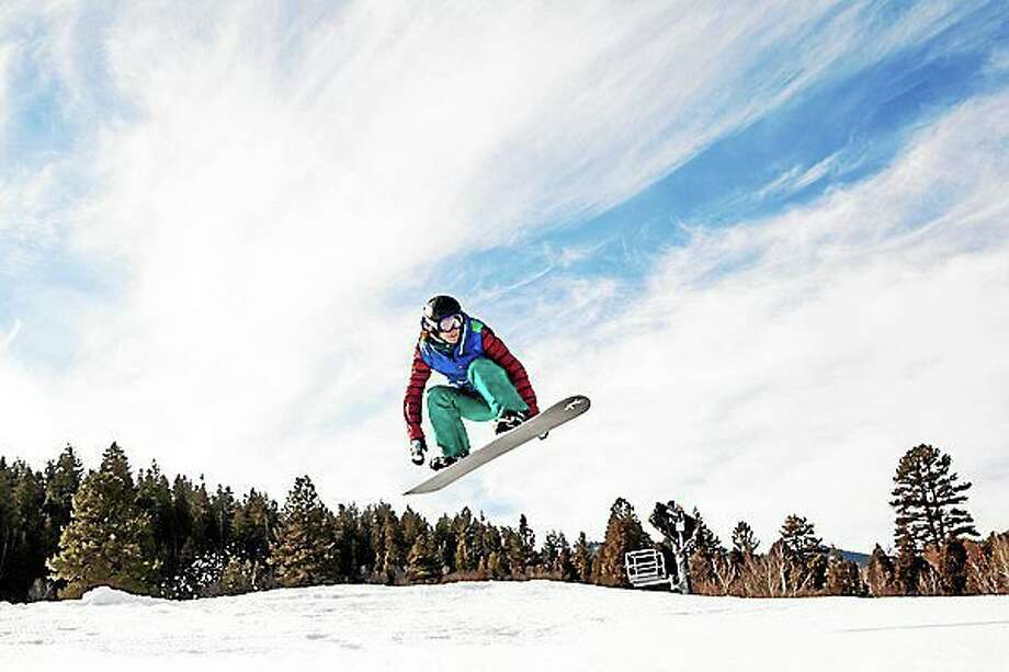 Fully recovered from a knee injury, U.S. snowboarder Lindsey Jacobellis is on her way to the Winter Olympics in Sochi, Russia. Photo: Journal Register Co.