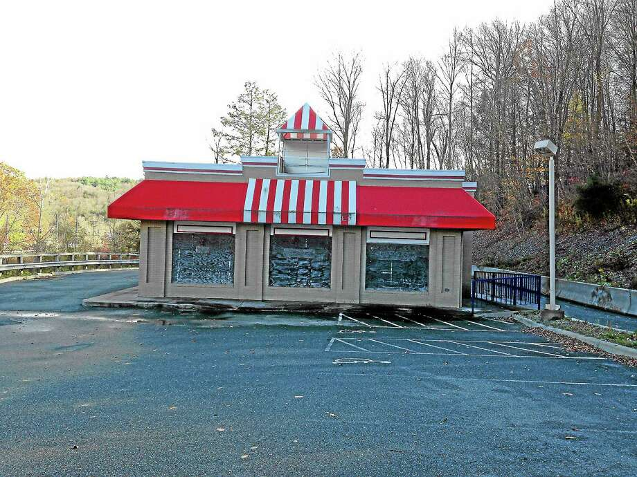 Mercy Quaye-Register CitizenThe former Kentucky Fried Chicken building located at 200 New Hartford Road in Winsted, which may be converted into a pharmacy specializing in the sale of marijuana. Photo: Journal Register Co.