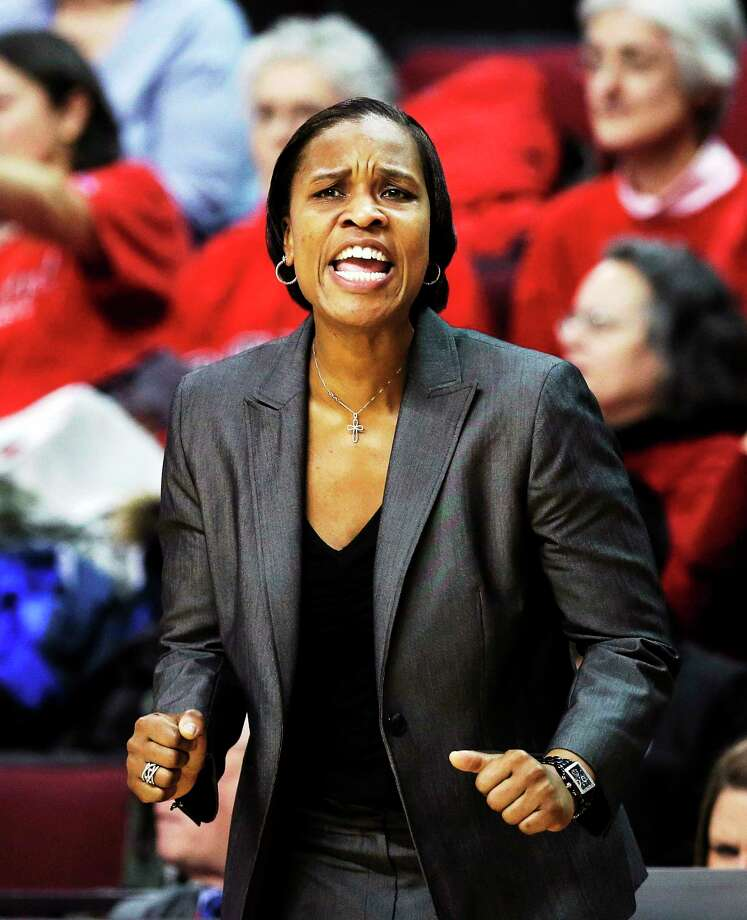 Former UConn player and assistant coach Jamelle Elliott will be back in Storrs Sunday as her Cincinnati Bearcats take on the top-ranked Huskies. Photo: Mel Evans — The Associated Press  / AP