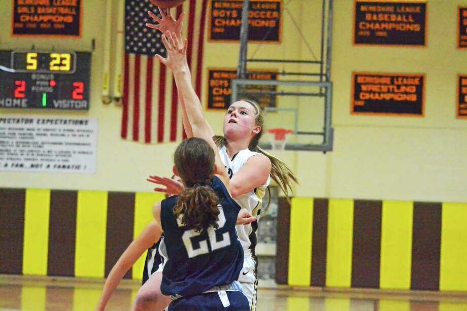 Thomaston's Abby Hurlbert goes up for a layup against Immaculate during the Class S Tournament. The Golden Bears take on St. Paul today at 3 p.m. Photo: Pete Paguaga — Register Citizen