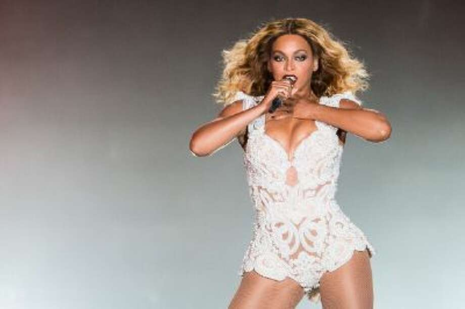Beyonce performs on stage during a concert in the Rock in Rio Festival on September 13, 2013 in Rio de Janeiro, Brazil. Photo: Getty Images / 2013 Getty Images