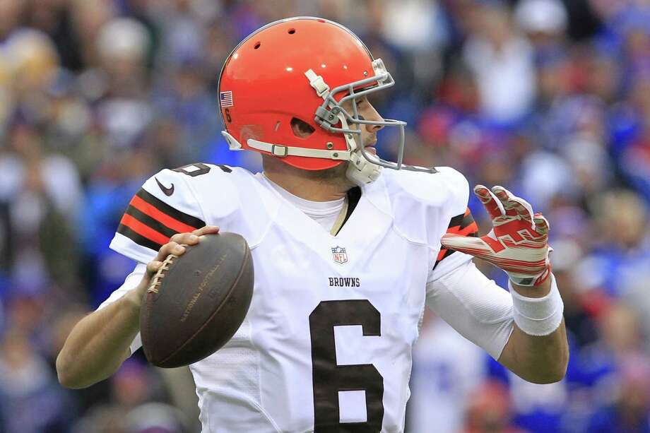 Brian Hoyer and the Browns will look to pull off the upset Sunday against the Colts. Photo: Bill Wippert — The Associated Press  / FR170745 AP