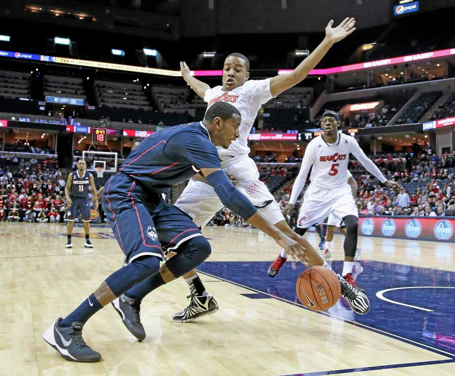 UConn forward DeAndre Daniels stepped up his play in the recent American Athletic Conference tournament, and the Huskies will need more of the same when they begin play in the NCAA tournament on Thursday. Photo: Mark Humphrey — The Associated Press  / AP