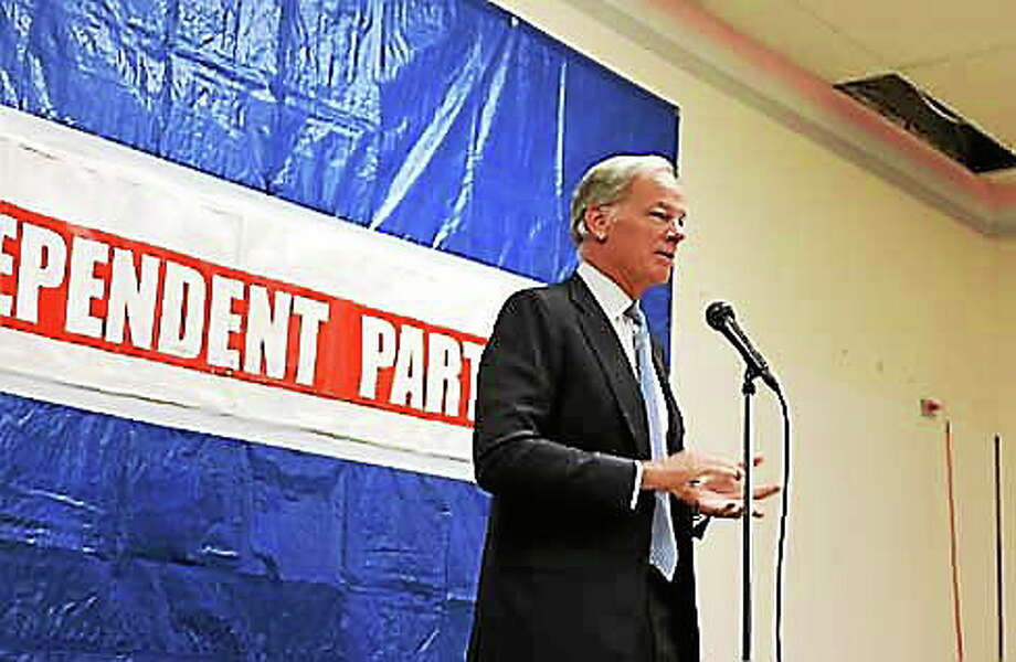 Tom Foley makes a pitch to the Independent Party. Christine Stuart/CTNewsJunkie.com Photo: Journal Register Co.