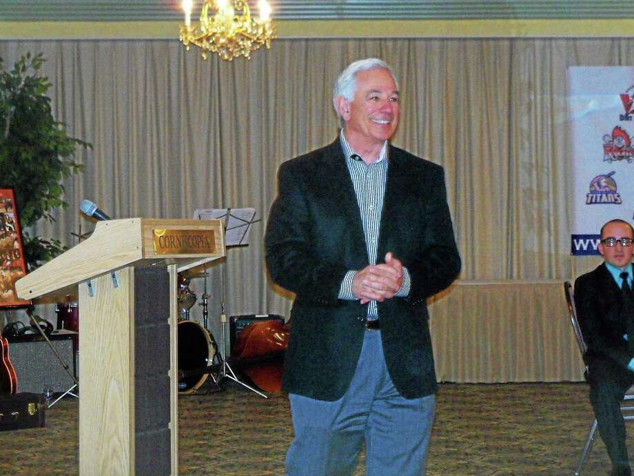 MLB legend Bobby Valentine addresses the Torrington Titans' Hot Stove Dinner audience Saturday evening at the Cornucopia Banquet Facility. Photo: Peter Wallace — Register Citizen