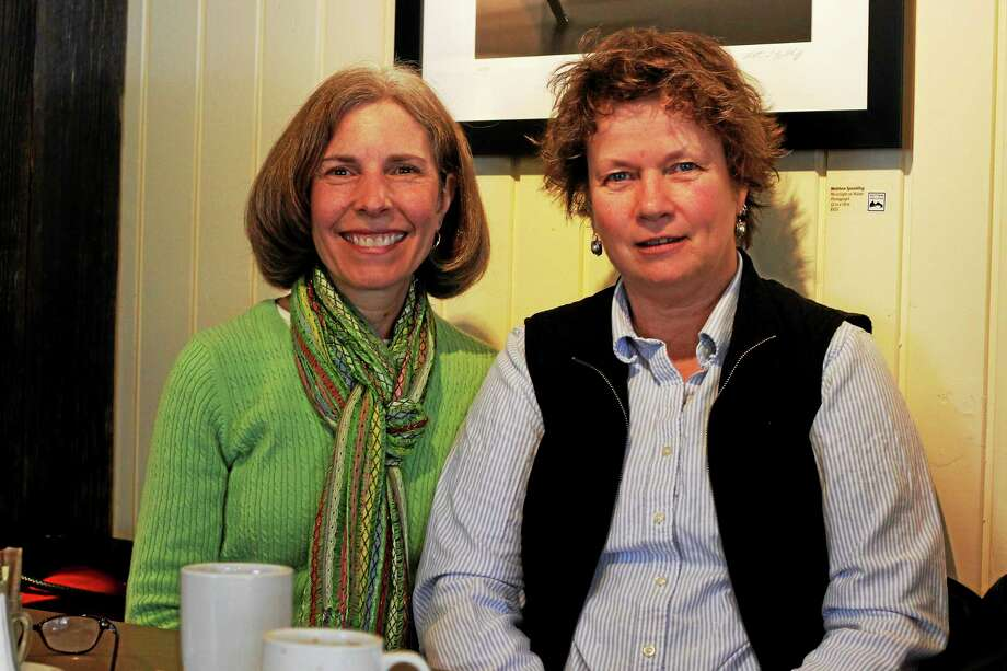 Anne Gallagher (right) and Diane DíIsidori (left) talk healthy diet. Photo: Shako Liu — The Register Citizen