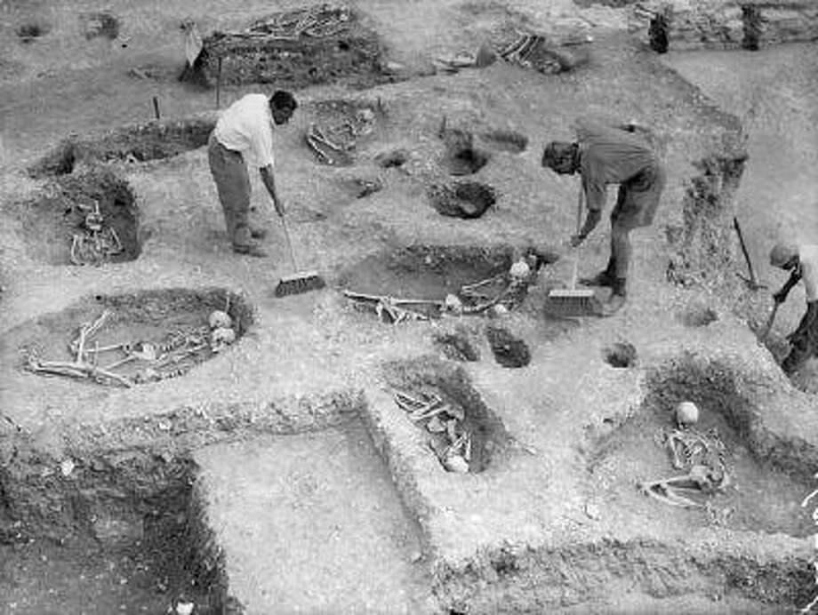 An archaeological dig in Cyprus. Photo: Getty Images / Hulton Archive