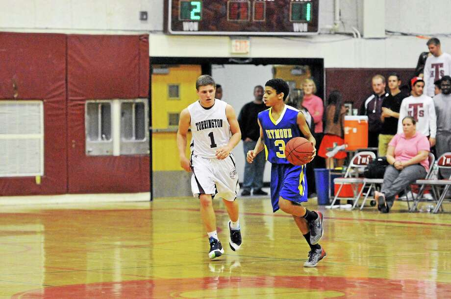 Torrington's Zak Mancini led all scorers with 23 points in the Red Raiders 82-31 win over Seymour. Mancini scored 21 of his 23 points in the first quarter. Photo: Laurie Gaboardi — Register Citizen