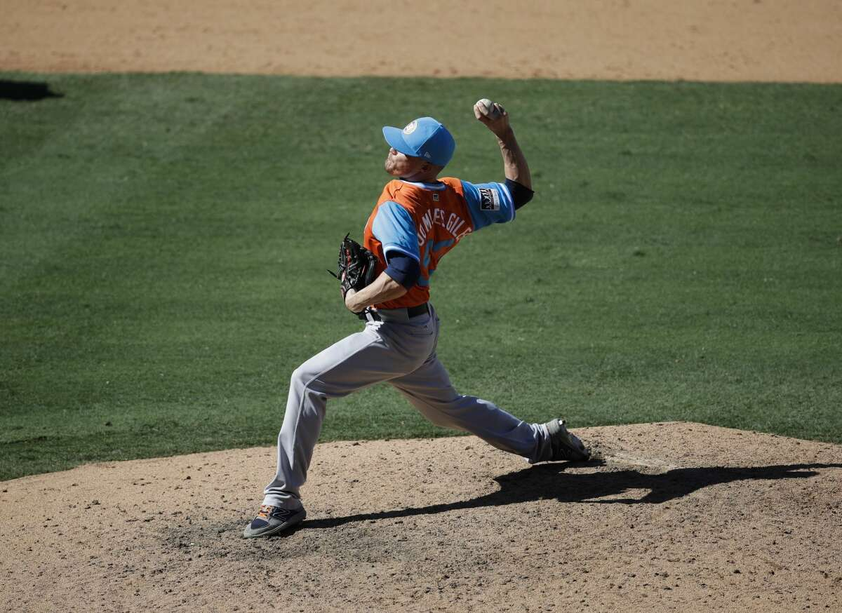 Houston Astros relief pitcher Ken Giles throws against the Los Angeles Angels during the ninth inning of a baseball game, Sunday, Aug. 27, 2017, in Anaheim, Calif. The Astros won 7-5. (AP Photo/Jae C. Hong)